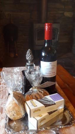 Stonewell Cottages & Vineyards: The complementary goodies