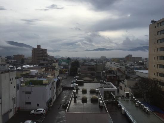 Dormy Inn Kofu : 6階の部屋からの眺め。