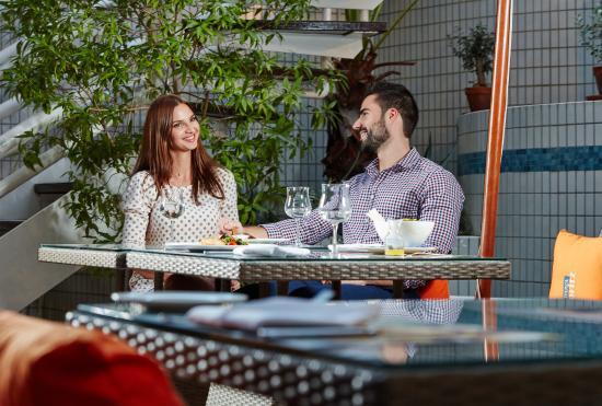Al Fresco Italian Restaurant: al fresco dining for cooler months