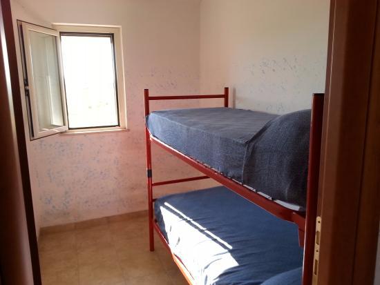 cameretta con letto a castello - Foto di Villaggio Camping Lianna ...
