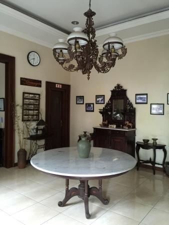 Ndalem Maharani Guest House: photo0.jpg