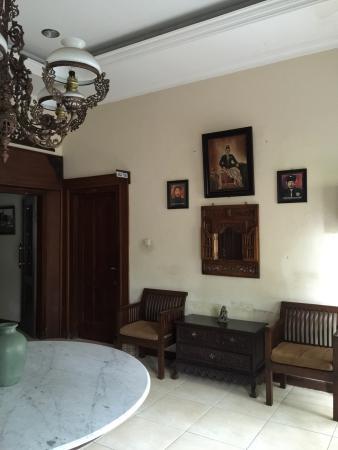 Ndalem Maharani Guest House: photo1.jpg