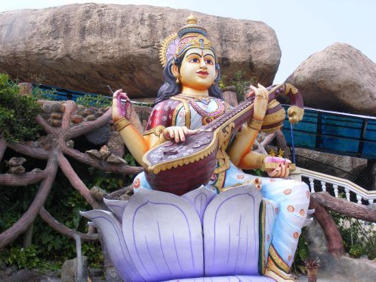 Sri Vidya Saraswathi Shani Temple: Saraswathi devi statue at Wargal