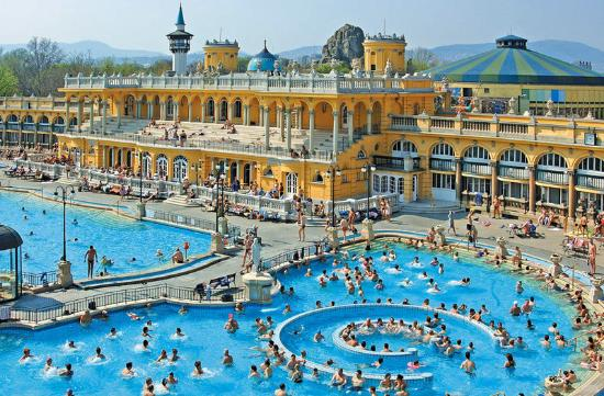 ‪Széchenyi Baths and Pool‬