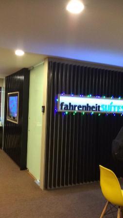 Fahrenheit Suites: photo1.jpg