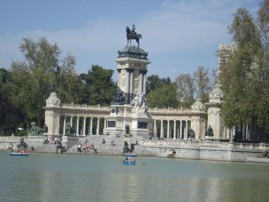 Parque del retiro madrid photo de parc du retiro for Parque del retiro madrid