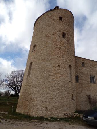 Le Chateau de la Gabelle: tour du château