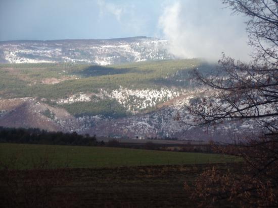Le Chateau de la Gabelle: champ de lav