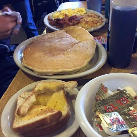 Eagle River, WI: huge pancakes :)