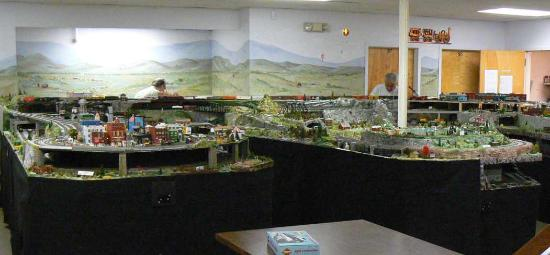 Mahwah, NJ: HO Scale Model Train Layout at Museum