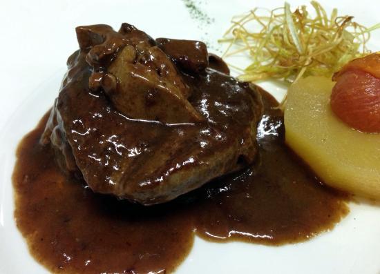 Medallones de solomillo de buey al foie con reducci n de px y manzana confitada fotograf a de - Restaurante vara illescas ...