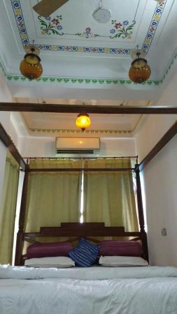 Jheel Guest House