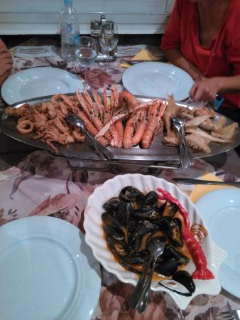 Slatina : Fritura y mejillones