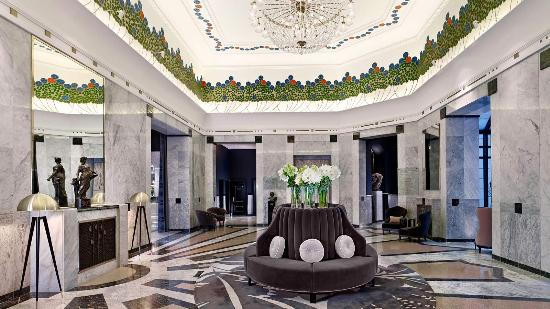 Hotel Bristol, a Luxury Collection Hotel, Warsaw: The Reception of the Hotel Bristol, Warsaw