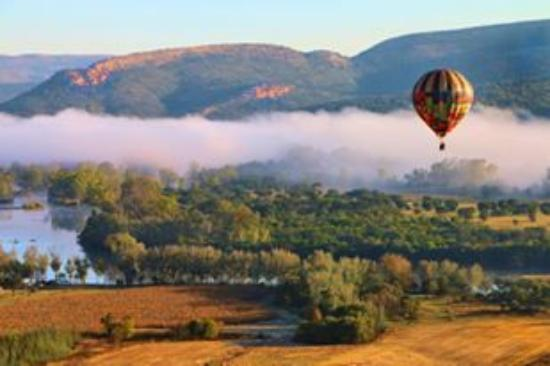 Parys, Zuid-Afrika: Early morning Ballooning over the Vredefort Dome