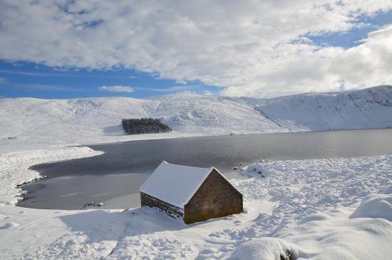 Баллатер, UK: Loch Miuck in winter!