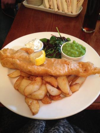 Aislaby, UK: Beautiful fish and chips