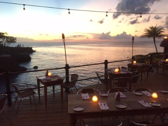 Rockhouse Hotel: Sunset View At The Restaurants Patio