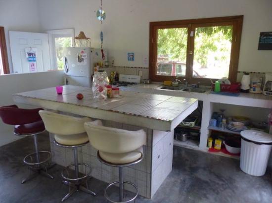 Hostal La Buena Onda: Kitchen