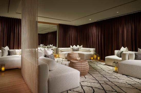 The Ritz-Carlton, Charlotte: Discover style and sophistication in our Relaxation Lounge