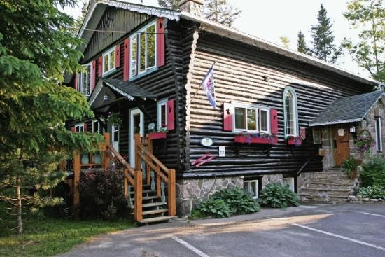 Photo of Auberge Le Lupin B&B Mont Tremblant
