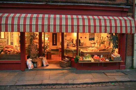 Louis' Deli & Cafe: Louis' Deli shop front
