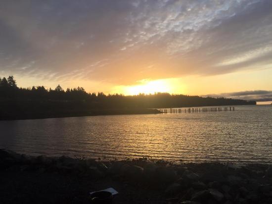 Oceanside Resort Motel: 7 am sun rise!!