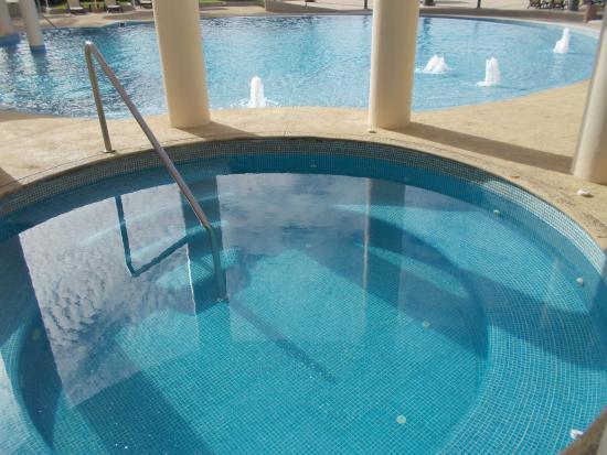Quintas del Mar II: Hot Tub by pools