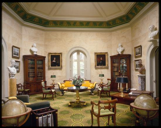Edgewater: The Octagon Room
