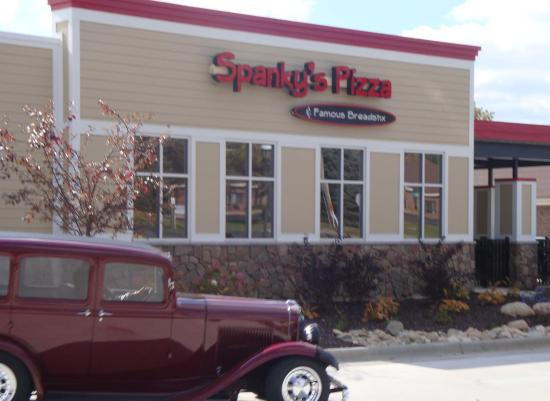 Spanky 39 S Pizza In Fremont MI Picture Of Spankys Pizza Restauran