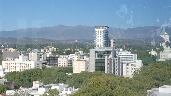 Premium Tower Suites Mendoza: Vista desde el salon comedor