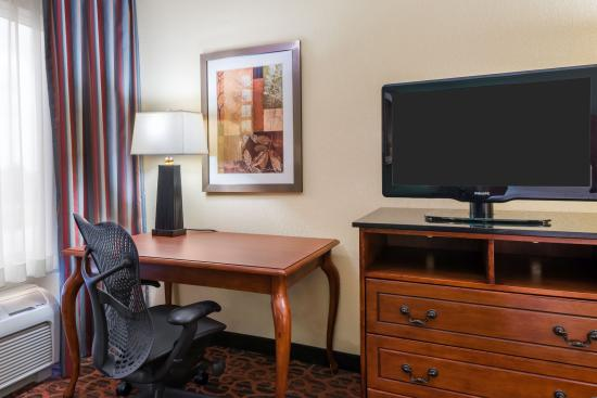 Hampton Inn West Palm Beach Central Airport: Work Space