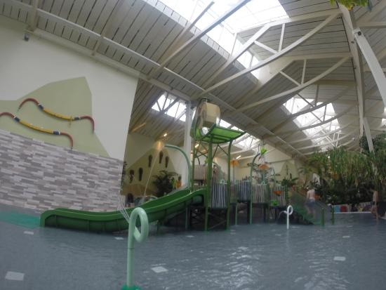 Piscine enfants picture of center parcs park bostalsee for Piscine enfant