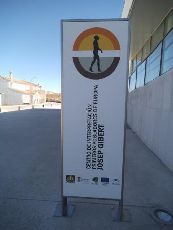 "Centro de Interpretacion Primeros Pobladores de Europa ""Josep Gibert"""