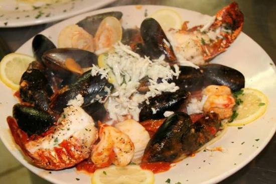 Giovanni's: Lobster Pescatore
