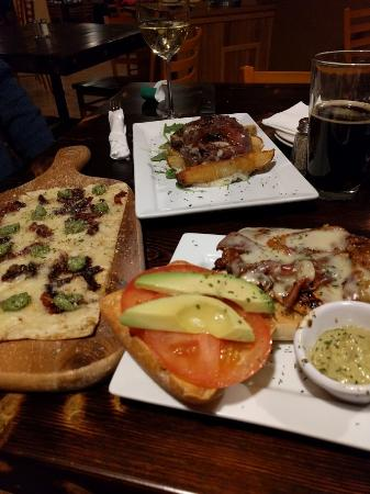 Eagles Mere, PA: Food from the inn's restaurant: flatbread pizza, steak and fries, and a chicken sandwich