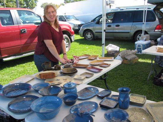 ‪‪Orillia Fairgrounds Farmers' Market‬: Carley with Judy's pottery‬