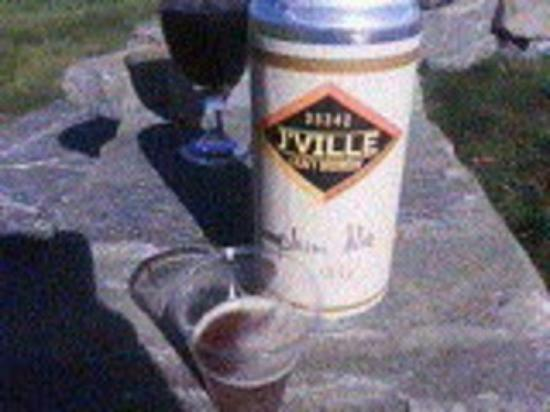 Jacksonville, VT: Enjoying a J'Ville crowler of thier Pumpkin Ale.