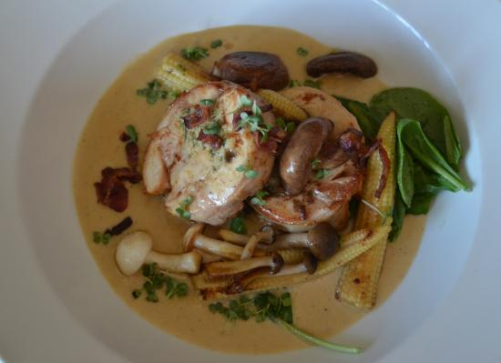 Gordon's Bay, Afrique du Sud : Chicken Ballontine with Bacon Veloute