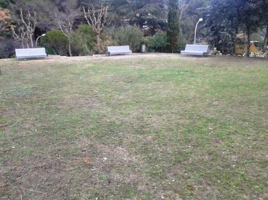 Ermita de Sant Sebastia: Zona verde