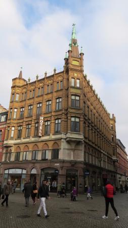 First Hotel Mortensen: the hotel