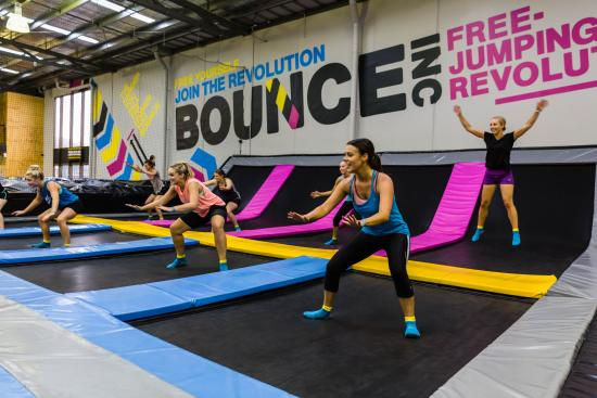 ‪Bounce Inc Trampoline Park Blackburn North‬