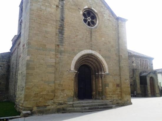 Santa Eugenia de Berga, إسبانيا: Fachada principal