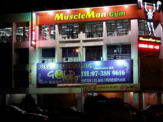 Johor Bahru District, Malásia: Massage is on 2nd Floor. Ring door bell at entry
