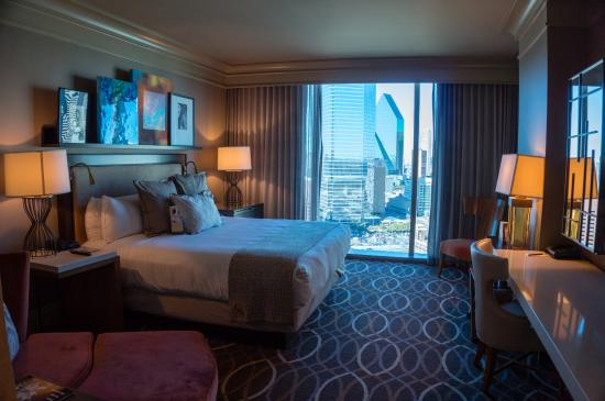 Spacious room with nice views picture of omni dallas for Hotels with balconies