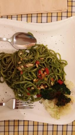 The Leaf Healthy Recipes: The Leaf Spaghetti (basil and pine nuts sauce)