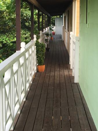Buccaneer Beach Club: January 22-31, 2016 well maintained grounds and areal views
