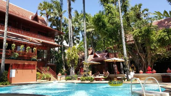 royal phawadee 17 02 16 relaxing around the pool picture of royal rh tripadvisor co za