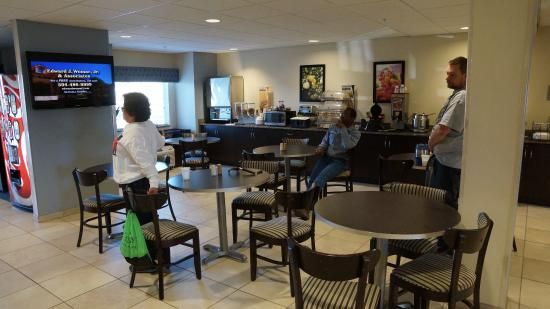 Microtel Inn & Suites by Wyndham Belle Chasse/New Orleans Photo