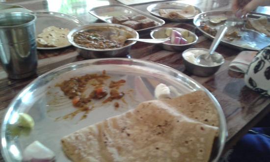 Bhau Joshi Bhojnalay: Food We order